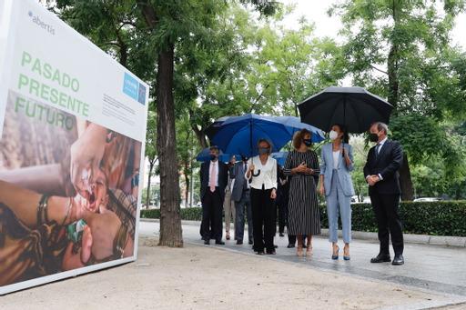 Una exposición recorre la historia de Unicef y su alianza con Abertis para sensibilizar sobre la siniestralidad vial infantil