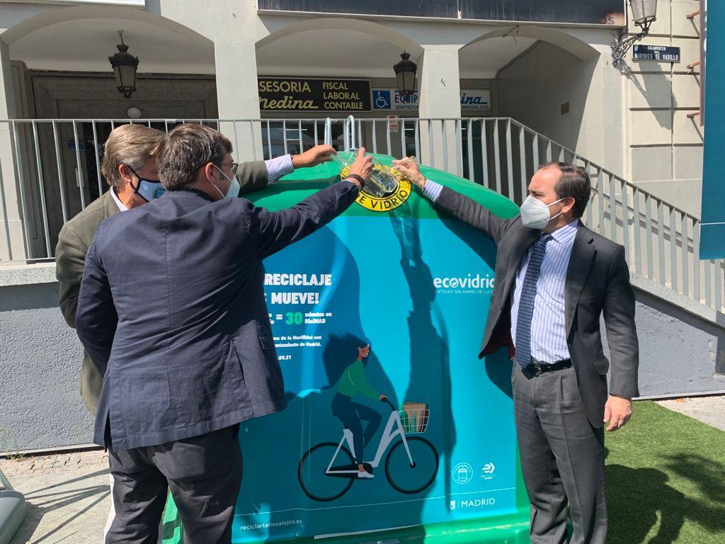 El Ayuntamiento de Madrid y Ecovidrio regalarán 30 minutos de BiciMAD a los abonados que reciclen envases de vidrio